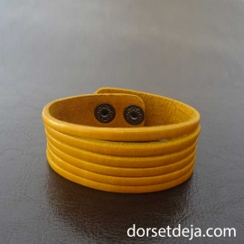 Bracelet manchette en Cuir jaune